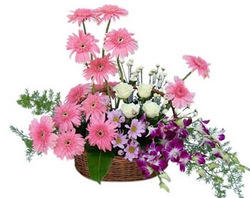 Stunning Flower Arrangement   02
