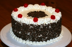 Black Forest Cake- 1 Kg- 2lbs