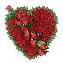 Heart Shape Red Rose Arrangement