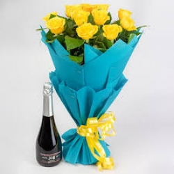 Champagne N Yellow Rose Hamper