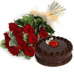 Red Roses N Chocolate Cake