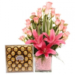 Pink Roses Bouquet With Ferrero Rocher Box
