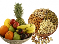 Fresh Fruit And Dry Fruit Gift Combo