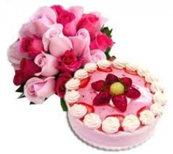 Red And Pink Roses Bunch And Strawberry Cake