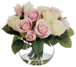 White And Pink Rose Arranhement