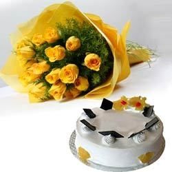 Pineapple Cake With Yellow Roses Bouquet