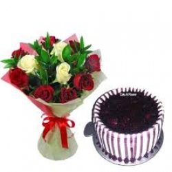Rose Bouquet And Blueberry Cake