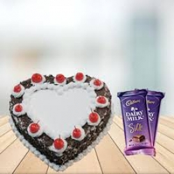 Heart Shaped Cake With Chocolate Combo