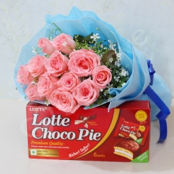 Pink Roses Bunch And Choco Pie