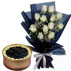 White Roses Blueberry Cake