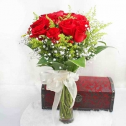 6 Red Rose Vase Arrangement