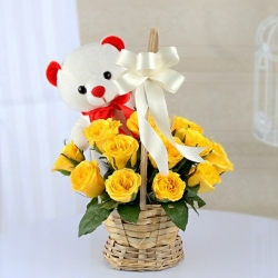 Cute Teedy Yellow Roses Bouquet