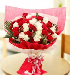 27 Red And White Rose Bunch