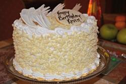 Vanilla Cake - 2 Kg Or 4 Pound