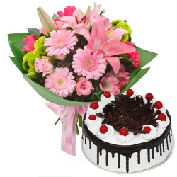 Black Forest Cake With Pink Flower Bouquet