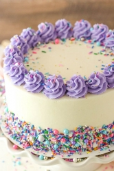 Vanilla Cream Cake 7 Inches