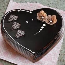 Heart Shape Chocolate Truffle Cake - 1 Kg